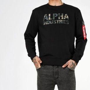 Alpha sweatshirt. Helt oanvänd i storlek M