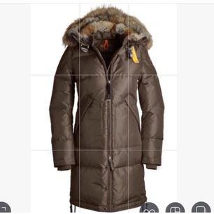 Säljer min Parajumper jacka i storlek S. Modellen heter long bear.