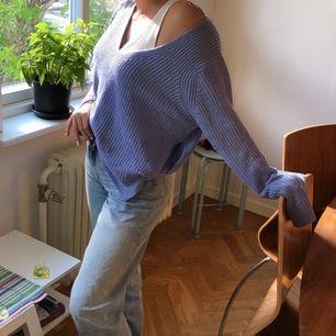 Säljer då den är för stor för mig. Är XS och tröjan är i M. Funkar ju på XS också då den är oversize o väldigt skön 💖😊