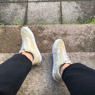 Superfina skor ifrån Vans i storlek 38, kollar endast om det finns intresse för dessa godingar! Köparen står för frakten