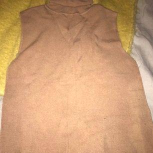 En bage polokrage som t-shirt kan de bli bättre-nej tyvärr, en behövligast i din garderob som bas för alla andra plagg i din garderob
