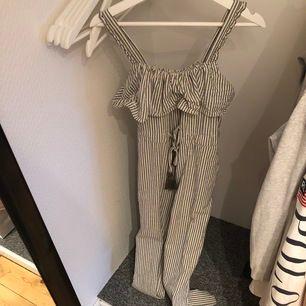 Jumpsuit från Zara!! Endast testad, aldrig använd 🤩
