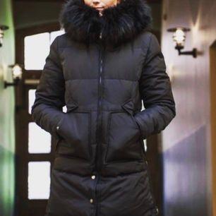 Jacka från Chelsea i Göteborg stl 34, aldrig använd! pälsen är brun och inte svart