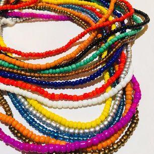 Afrikanska waist beads är ett super snyggt smycke som man har på midjan. Den kan användas som accessoar för mode eller hjälpa att gå ner i vikt. Välj färg och jag fixar!!