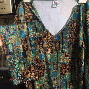 Så fin sammets tröja! Från 80-talet, köpt secondhand. Magiskt tyg.