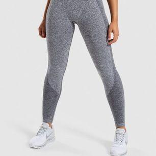 Säljer ett par nästan helt nya tights från Gymshark. Storlek S. Jag bjuder på frakt.