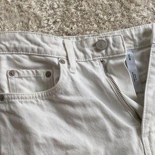 Rowe jeans från weekday storlek 26/30💕 ordinarie pris 500kr
