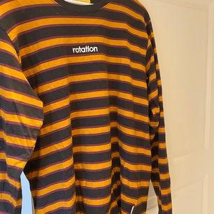 Säljer min rotation tröja. Inte min stil kanske riktigt längre.