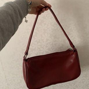 Superfin! Vinröd väska. Inget speciellt märke.🤍🤍