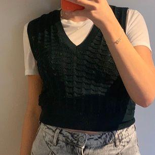 Säljer ett jättefint linne från Zara🦋 bud + frakt (39kr)