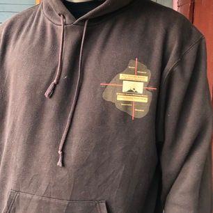 Brun hoodie!!! Hur mysig å snygg som helst