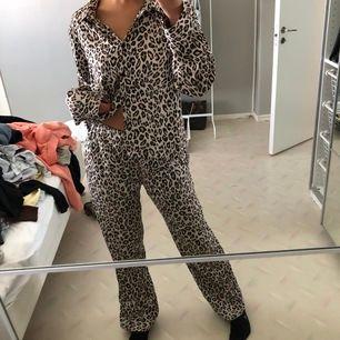 frakt: 44kr❤️ fint pyjamas set!