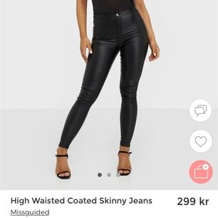Säljer dessa tvär fina jeansen i storlek S/36 då det inte är min stil,Oanvända endast testade                                  Fraktkostnader tillkommer.✨