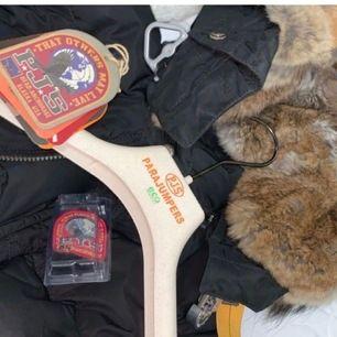 Pjs longbear jacka storlek XXS, använt under en vinter och säljs pga att jag inte gillar den längre