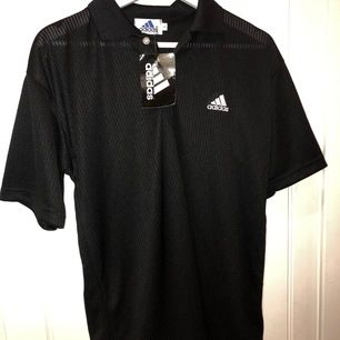 Cool adidas tröjja helt ny      Ni får buda på den jag startar med 200kr:)